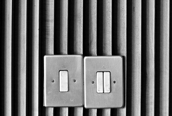 włączniki świateł